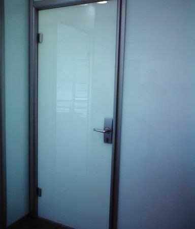 manuel açılan doksan derece otomatik kapı