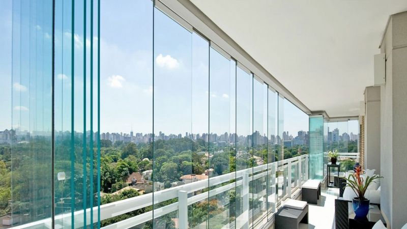 balkonunuzu katlanır cam hizmeti ile süsleyerek ferah ve şık bir görüntü elde edebilirsiniz