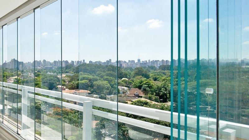 katlanır cam hizmeti konut ya da iş yerleri için özel raylı sistemiyle üretilmiştir