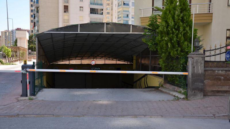 otopark girişlerinde de oldukça kullanılan otomatik bariyer hizmeti uzaktan kontrol edilebilmektedir