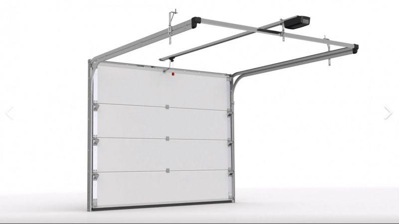 fabrikasyon olarak kullanılan seksiyonel kapılar yukarıdaki haznede toplanarak daha geniş geçiş mesafeleri sunmaktadır