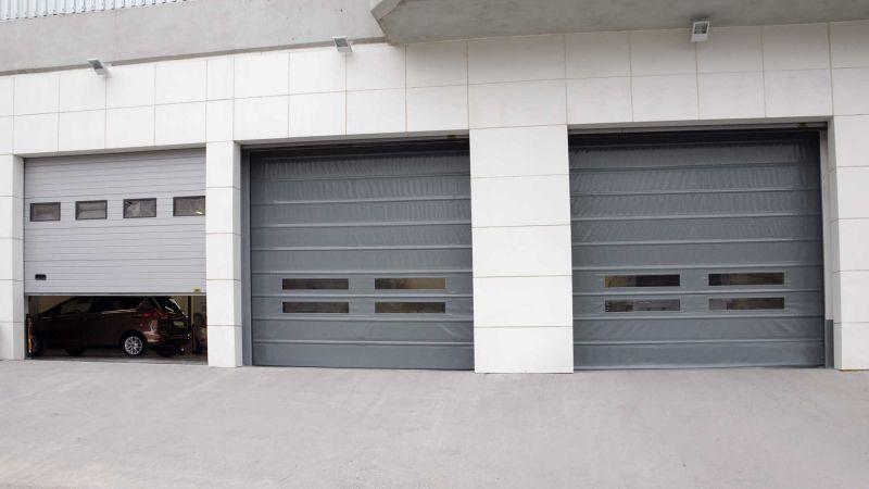 garaj kapısı olarak da kullanılabilen seksiyonel kapı