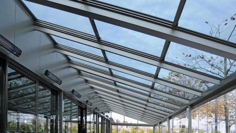 restoranların çatısı için de kullanılan bu hizmet camdan bir alan oluşturmanız ve içinizi rahatlatmak için sunacaktır şeffaf çatılar