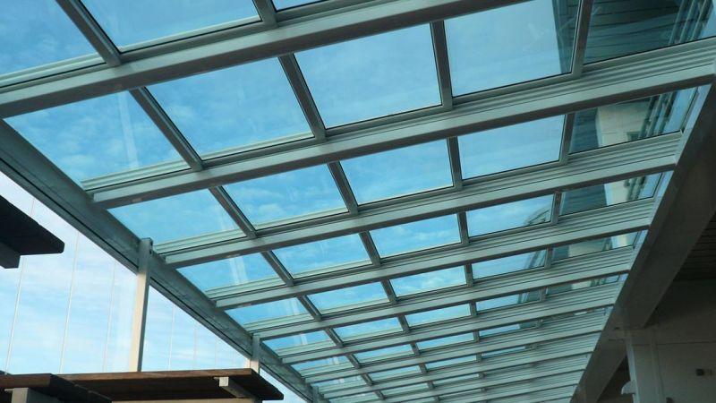 şeffaf çatılar manzaranızı kapatmadan çatınızı kapatmanıza olanak sunarken içinizi ferahlatır skylight çatılar