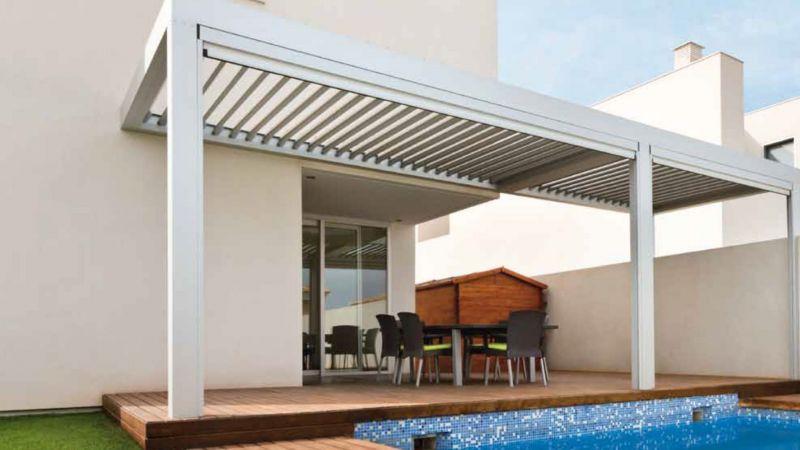 evinizin bahçesine güneşten korunmak için gölge sistemi rolling roof