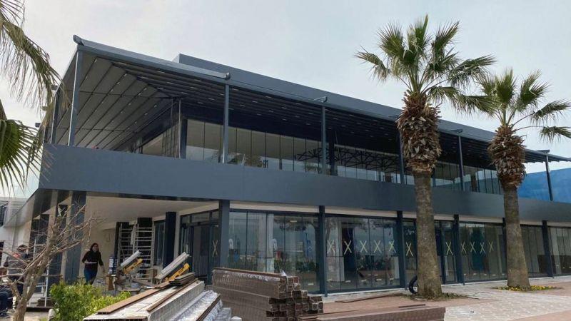 izmir marinanın yapılışında kompozit cephe kepenk giyotin cam fotoselli kapı ve otomatik tente hizmetini yaparak projeyi başarıyla tamamlayan firmamız izmir için eşsiz bir mekan oluşturmuştur